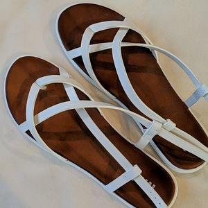 MIA Elena sandals Never Worn